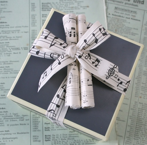 music-paper-gift-wrapping